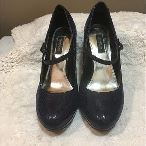 WHBM Bailey black/ blue Mary Jane style heel 8 1/2